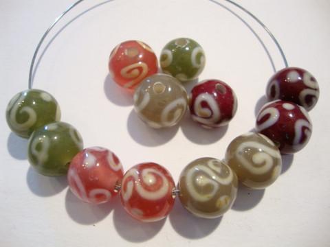 Lamppuhelmi tumma punainen / valkoinen pyöreä 10 mm (2/pss)