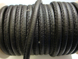 Nappajäljitelmänauha musta pyöreä 4 mm (m-erä 50 cm)