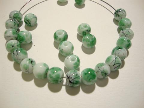 Lasihelmi valkoinen / vihreä värjätty pyöreä 6 mm (20/pss)
