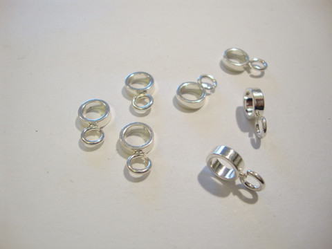 Riipuspidike hopeoitu 12 x 7 mm (2 kpl/pss)