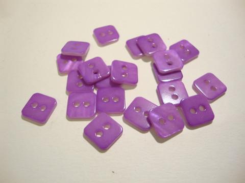 Helmiäisnappi lila/violetti neliö 11 mm