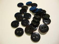 Helmiäisnappi musta pyöreä 11 mm