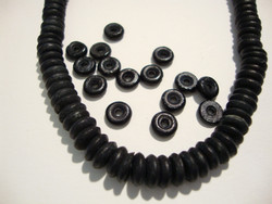 Luuhelmi musta rondelli n. 5 x 1,5 mm (20/pss)
