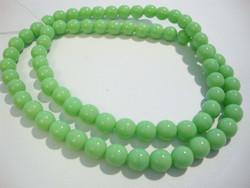 Tsekkiläinen lasihelmi vihreä opaakki pyöreä 6 mm (20/pss)