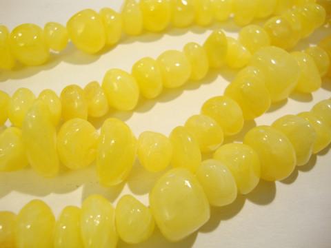 Jade värjätty keltainen nuggetti 10-15 x 10-18 mm (20/pss)