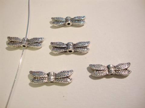 Sudenkorennon siivet -metallihelmi hopeoitu 5 x 20 mm (4 kpl/pss)