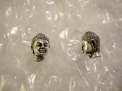 TierraCast Metallihelmi Buddha hopeoitu 13,5 x 10 mm