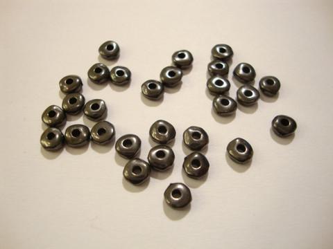 TierraCast Metallihelmi/välihelmi Heishi musta nuggetti 5 mm (20/pss)