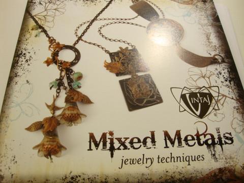 Vintaj-kirja: Mixed Metals
