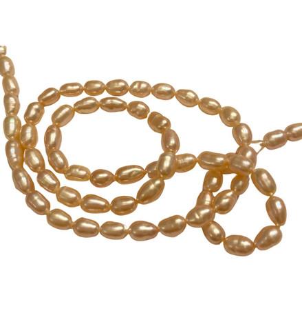 Makeanvedenhelmi soikea vaalean persikkainen 5 x 3 mm (38 cm nauha)