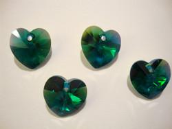 Swarovski kristalli sydänriipus smaragdin vihreä AB 14 mm