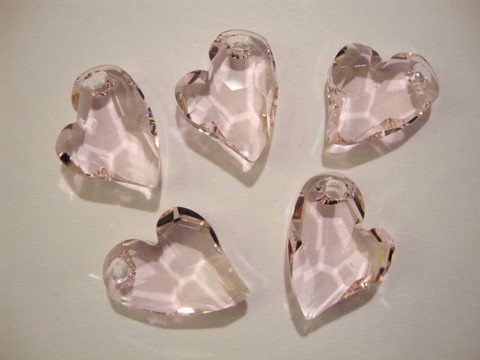 Swarovski kristalli Devoted 2 U -sydänriipus vaalean punainen Rosaline 17 mm