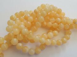 Kivihelmi Jade keltainen pyöreä 8 mm (20 kpl/pss)