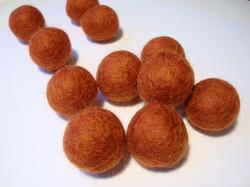 Huovutettu helmi tumma oranssi n. 23 mm (5 kpl/pss)