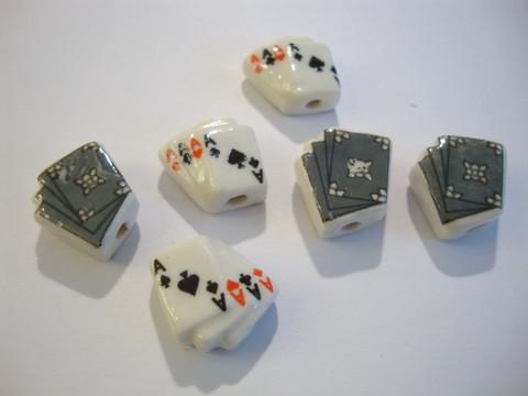 Posliinihelmi valkoinen Pelikortit 15 x 14 mm (2 kpl/pss)