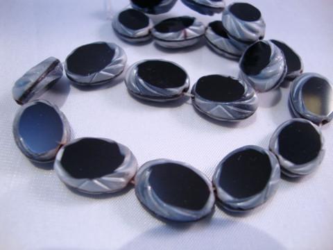 Vintage helmi musta-harmaa lasi 15 x 11 mm