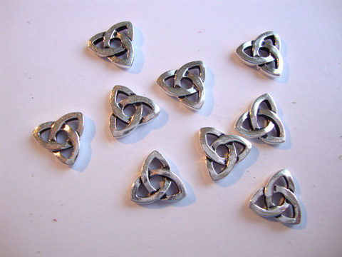 TierraCast Niitinkoriste Celtic hopeoitu 10 mm, sopii 4 mm niitille (2 kpl/pss)