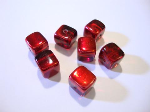 Tsekkiläinen lasihelmi 'Magic' Siam punainen kuutio 8 x 9 mm (2 kpl/pss)