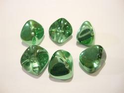 Tsekkiläinen lasihelmi 'Magic' Peridot vihreä nuggetti 11 x 15 mm (2 kpl/pss)
