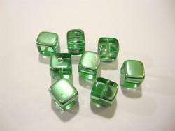 Tsekkiläinen lasihelmi 'Magic' Peridot vihreä kuutio 8 x 9 mm (2 kpl/pss)