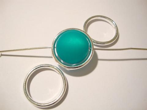 Metallihelmi/helmikehys hopeoitu pyöreä 12 mm (4 kpl/pss )