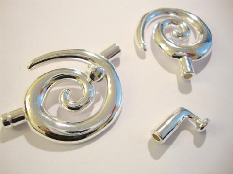 Suuri nauhanpää/lukko hopeoitu Spiraali, sisämitta 3,2 mm