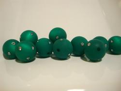 Polarishelmi Swarovskin strasseilla smaragdin vihreä matta 14 mm