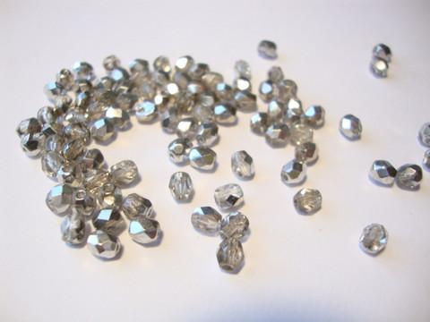 Tsekkiläinen fasettihiottu lasihelmi pyöreä kirkas-hopea 4 mm (100 kpl/pss)