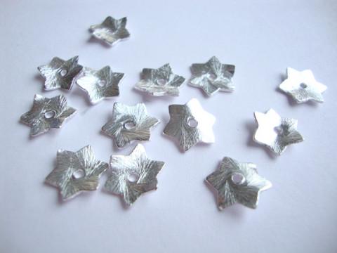 Metallihelmi/helmihattu hopeoitu hohtava Tähti 10 mm (10 kpl/pss)
