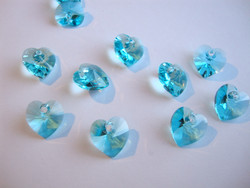 Swarovski kristalli sydänriipus turkoosi 14 mm