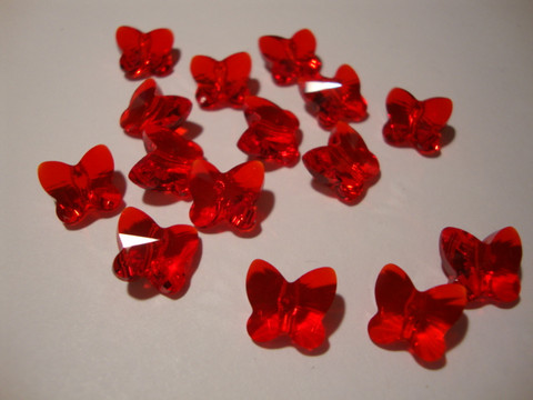 Swarovski kristallihelmi Siam punainen perhonen 10 mm (2 kpl/pss)