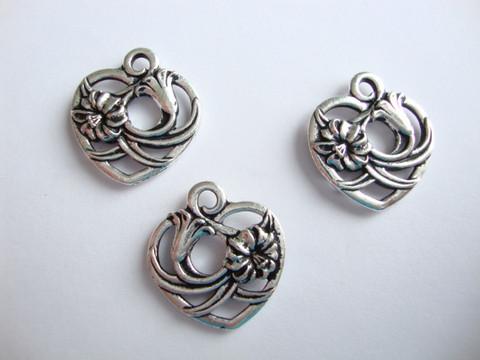 TierraCast Riipus Floral heart hopeoitu 19 mm / lenkin halkaisija 2 mm
