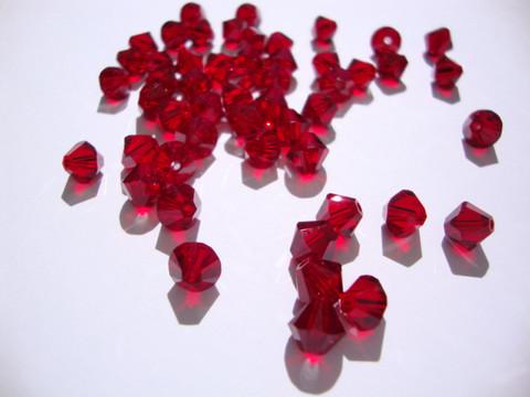 Swarovski kristallihelmi punainen Siam bicone 6 mm (4 kpl/pss)
