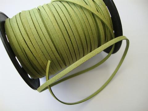 Mokkanauha (faux suede) limenvihreä 3 x 1,4 mm (m-erä 5 m)