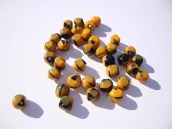 Vintage helmi musta-oranssi matta pyöreä n. 6 mm (4 kpl/pss)