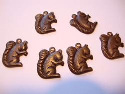 Vintaj Keräilevä Orava riipus 16,5 x 12,5 mm