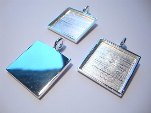 Korukehys / riipus hopeoitu 21,5 x 21,5 mm, syvyys 2 mm