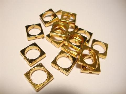 Metallihelmi/helmikehys (helmihäkki) kullattu neliö 10 mm (2 kpl/pss)