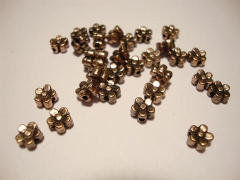 Metallihelmi kupari pieni kukka 5,5 mm  (30/pss)