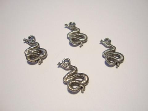 Riipus Käärme antiikkihopeanvärinen 19 x 14 mm