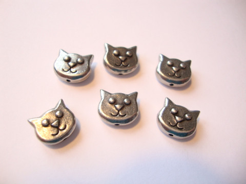 TierraCast metallihelmi Kissanpää hopeoitu 8,5 x 10 mm (2 kpl/pss)