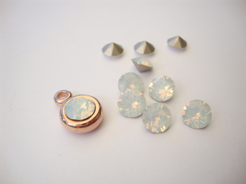 Swarovski kristalli rivoli opaali valkoinen pyöreä 8 m SS39 (2 kpl/pss)