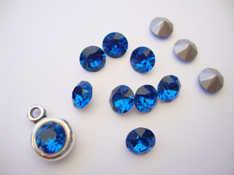 Swarovski kristalli rivoli Caprin sininen pyöreä 8 m SS39 (2 kpl/pss)