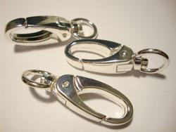 Iso rapulukko/avainclipsi (karbiinihaka) pyörivällä päällä hopeoitu 46 x 14 mm