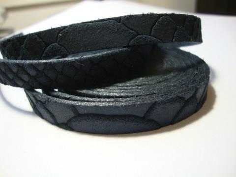Nahkanauha litteä tummansininen 10 x 2 mm (m-erä 90 cm pala)