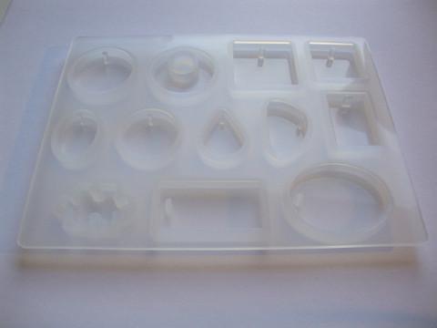 Silikonimuotti koruhartsille ja korubetonille 12 erilaista muotoa