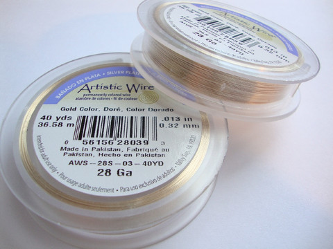 Beadalon Artistic Wire -metallilanka kulta 28 Gauge = 0,32 mm (36 m)