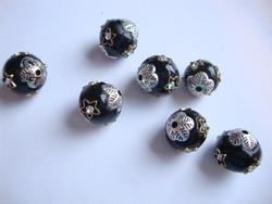 Bohemian musta-hopea 12 mm , reikä n. 2 mm