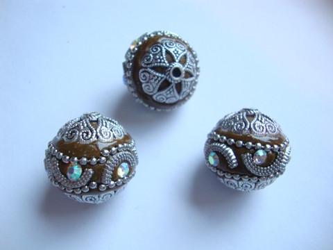 Kashmirihelmi ruskea-hopea 20 mm, reikä n. 2 mm