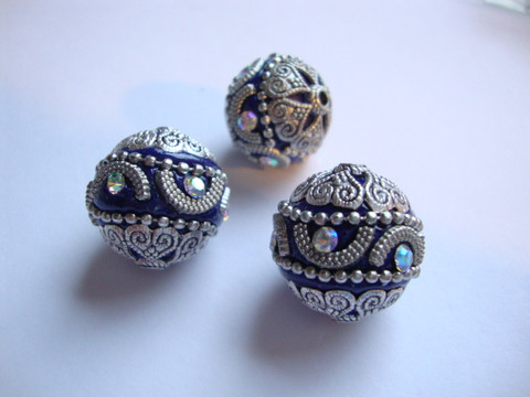 Kashmirihelmi koboltinsinen-hopea 20 mm, reikä n. 2 mm